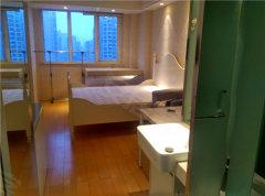 万达广场迪赛明天 单身公寓 刚空出有冰箱 甩干机  随时看房