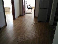 湖畔嘉园 学区房  室内干净整齐 可做饭 卫生间宽敞够大