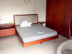 好世界公寓 民用性质专人管理环境好豪华装修一房 低价出租