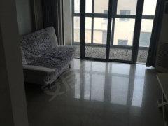 豪华别墅精装房家电齐全拎包入住方便快捷舒适。