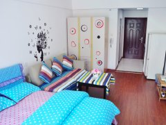 自己房子出租,房子家电齐全舒适干净,环境很好,交通方便,自带
