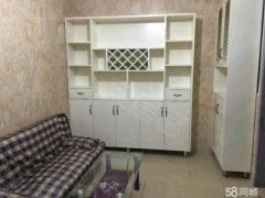 房内有空调,热水器,宽带,床,柜子,电脑桌