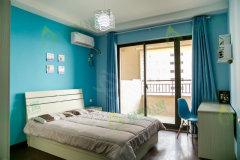 绿萝公寓财富广场华润橡树湾 带阳台 精装修 朝南 主卧