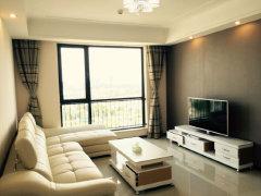 高档公寓三房 3600含物业费出租 金陵大饭店隔壁