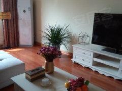 湖北路高档小区市政供暖温馨三居室带家具家电900月看房有钥匙