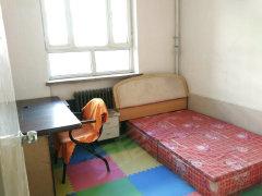 红+月小区两室两厅2楼才2000/月物业暖气全包随时看房