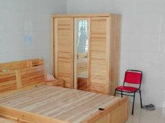 桂华苑 标准一室一厅 租1300元
