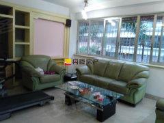 店长 水仙大街北侧 华港花园大三房 装修漂亮 适合居家