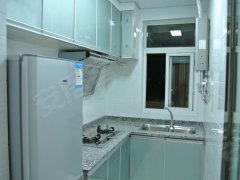 南湖南湖郡 2室2厅68平米 中等装修 押二付三