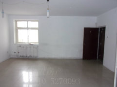 优置房源等您来看三广广泰小区低楼层三居室可商住可做小饭桌