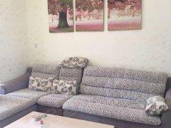 沿江华庭 2300元 2室2厅1卫 精装修,干净整洁,随时入