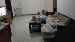 宁海小区90平黄金三楼1300一个月随时看房