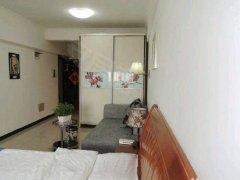 家电家具齐全 ,房间朝南 ,采光极好,房屋干净整洁
