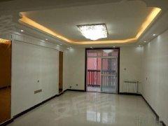雪枫路电梯新房三室二厅精装修有暖气