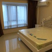 黄金楼层,豪华装修,首次出租,全新家具家电,带地暖中央空调,