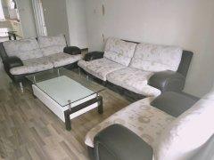 官南大道 锦苑花园学区房、黄金2楼带全套家具家非常便宜出租。