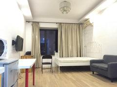 精装一居室,离地铁11号线5min,居家装修,随时起租