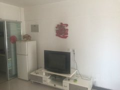 急租54所附近小区 精装一居室家具齐全拎包即住随时看房。