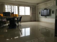 云锦花苑156平米4室2厅清爽装修