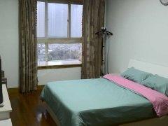 超低价出租,精装一居室南向落地窗全新家具家电 随时看房!