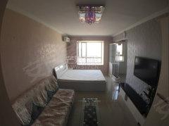 第一城 一室一厅一卫 适合情侣  家具家电齐全 地铁口