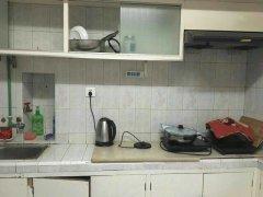 合厨全套家俱电器热水器租女孩干净