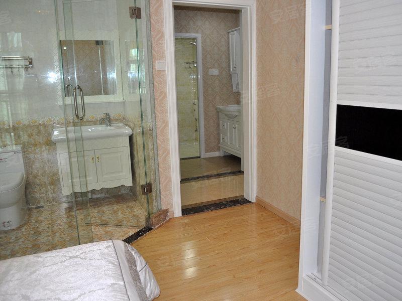 4.2米客厅 入户花园 首郡127平米精装样板房高清图片